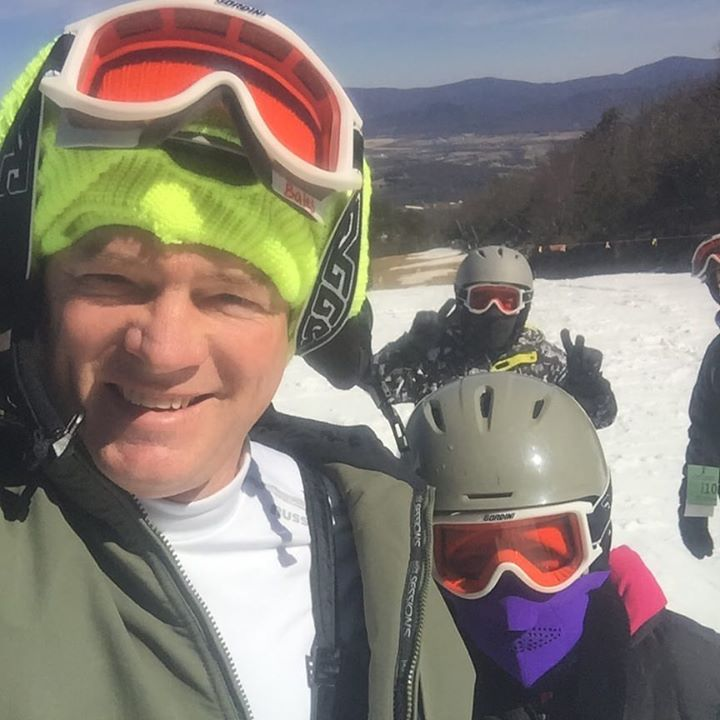 The family learns to ski on Bringing Up Bates Thursday night on UP Tv…