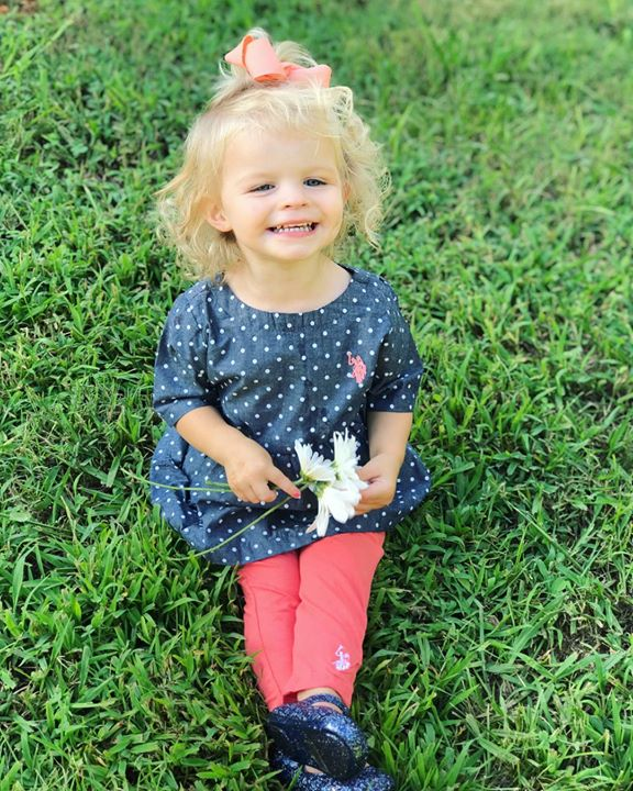 LOVE these adorable pictures of Brooklyn from her birthday!